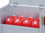 ゴミ出し日和 ポリタンクの収納にも使えます。